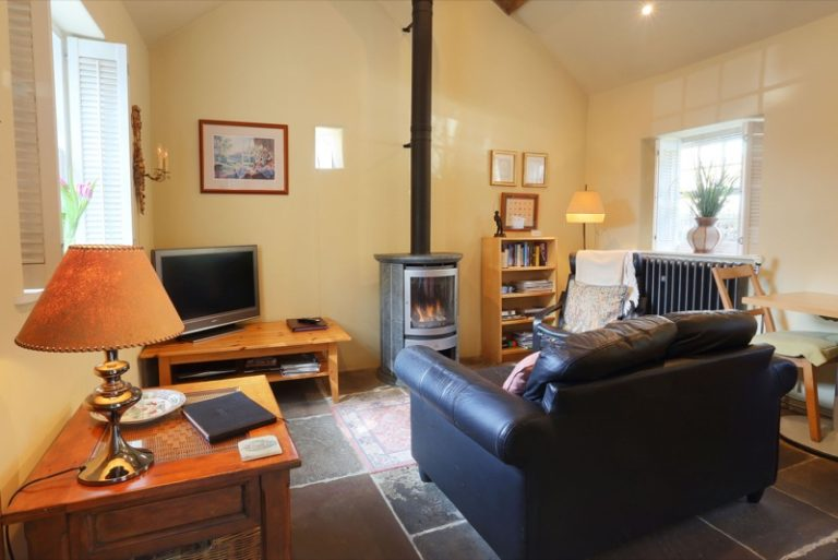 Barn Cottage,  four star luxury holiday cottage accommodation at Bakewell in the heart of the Derbyshire Peak District - Self Catering Holiday Accommodation - Derbyshire Peak District Accommodation