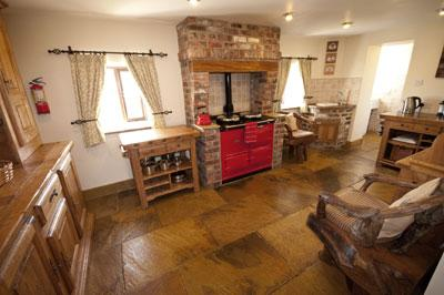 Merman Farm Holiday Cottage at Tideswell in the Derbyshire Peak District - Derbyshire and Peak District Accommodation