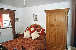 Merman Barn Bed and Breakfast Guest House Accommodation at Tideswell  in Derbyshire   - Derbyshire and Peak District Accommodation - Double bedroom