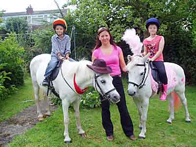 Dream Ponies Childrens Parties  and  Childrens Entertainers