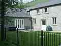 photo Riverside House  self catering holiday accommodation  at Litton MIll  in the  Derbyshire Peak District  - Derbyshire and Peak District Cottage Accommodation - Self catering accommodation