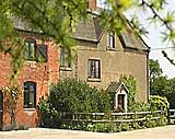 photo Yeldersley Old Hall Farm Cottage and B&B Holiday Accommodation in the  Derbyshire Peak District - Derbyshire Peak District Accommodation